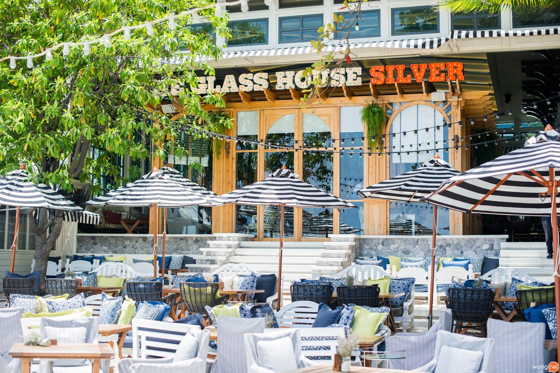The Glass House Silver นาเกลือ