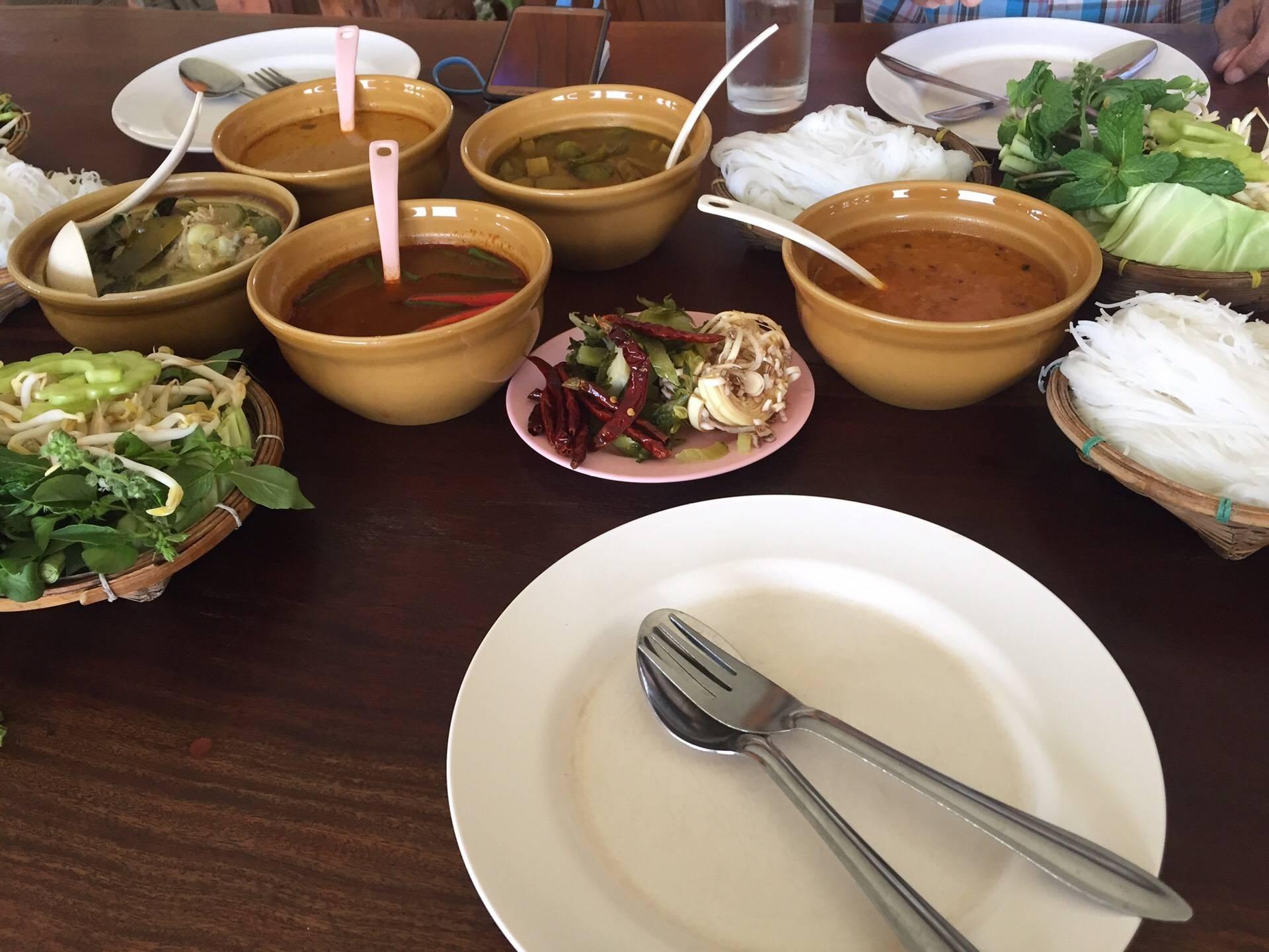 ขนมจีนกู่ทอง สาขา 2 (ริมบึงดอกบัว)