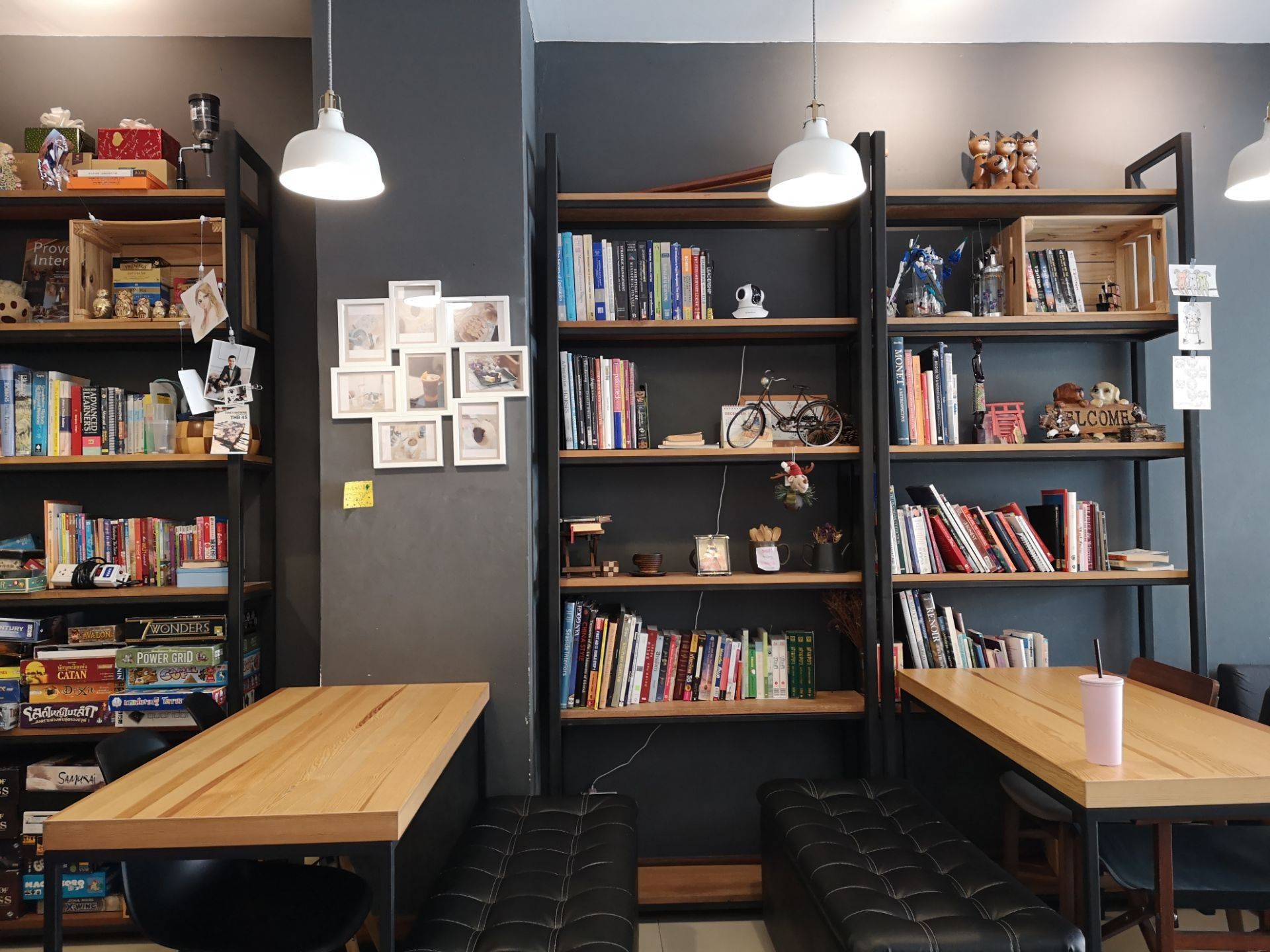 NEWBURY COFFEE HOUSE กังสดาล