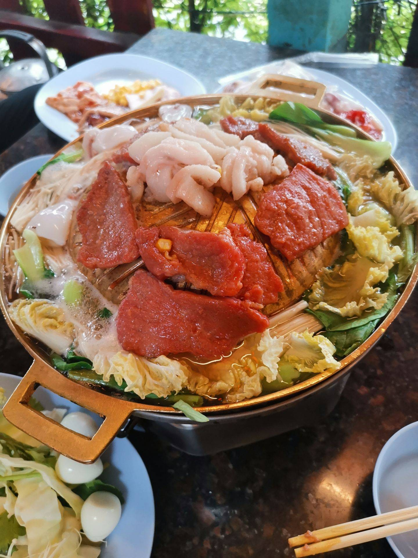 ปลาทองหมูกระทะและข้าวแกงบุปแฟ่ต์กลางวัน พญาไท