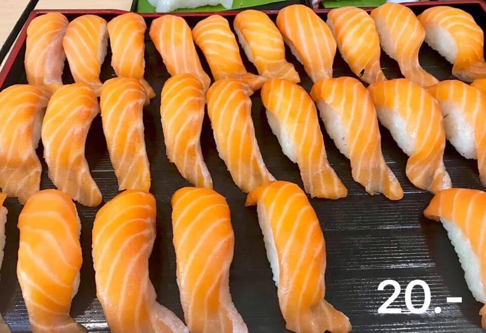 ทำจากแซลมอนสด ใหม่ทุกวัน ในเนื้อปลามีคุณประโยชน์มากมายต่อร่างกายถึง 7 ประการ