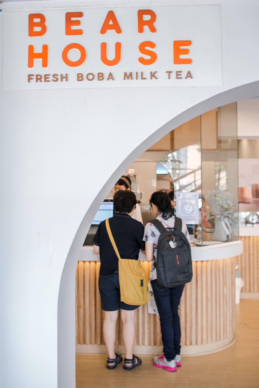 Bearhouse Fresh Boba Milk Tea ถนนอังรีดูนังต์