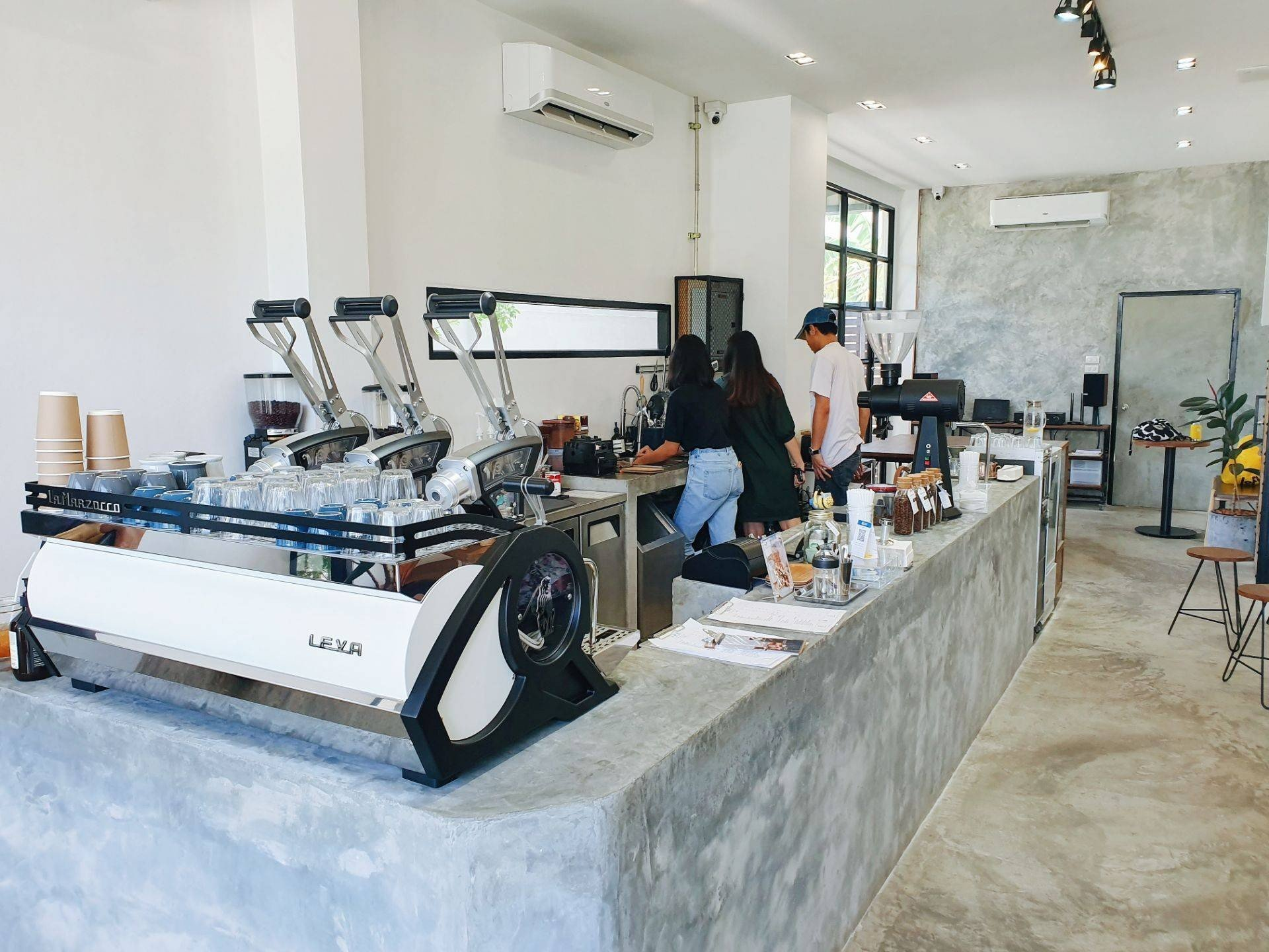 One Two Two Coffee Bar ชลบุรี