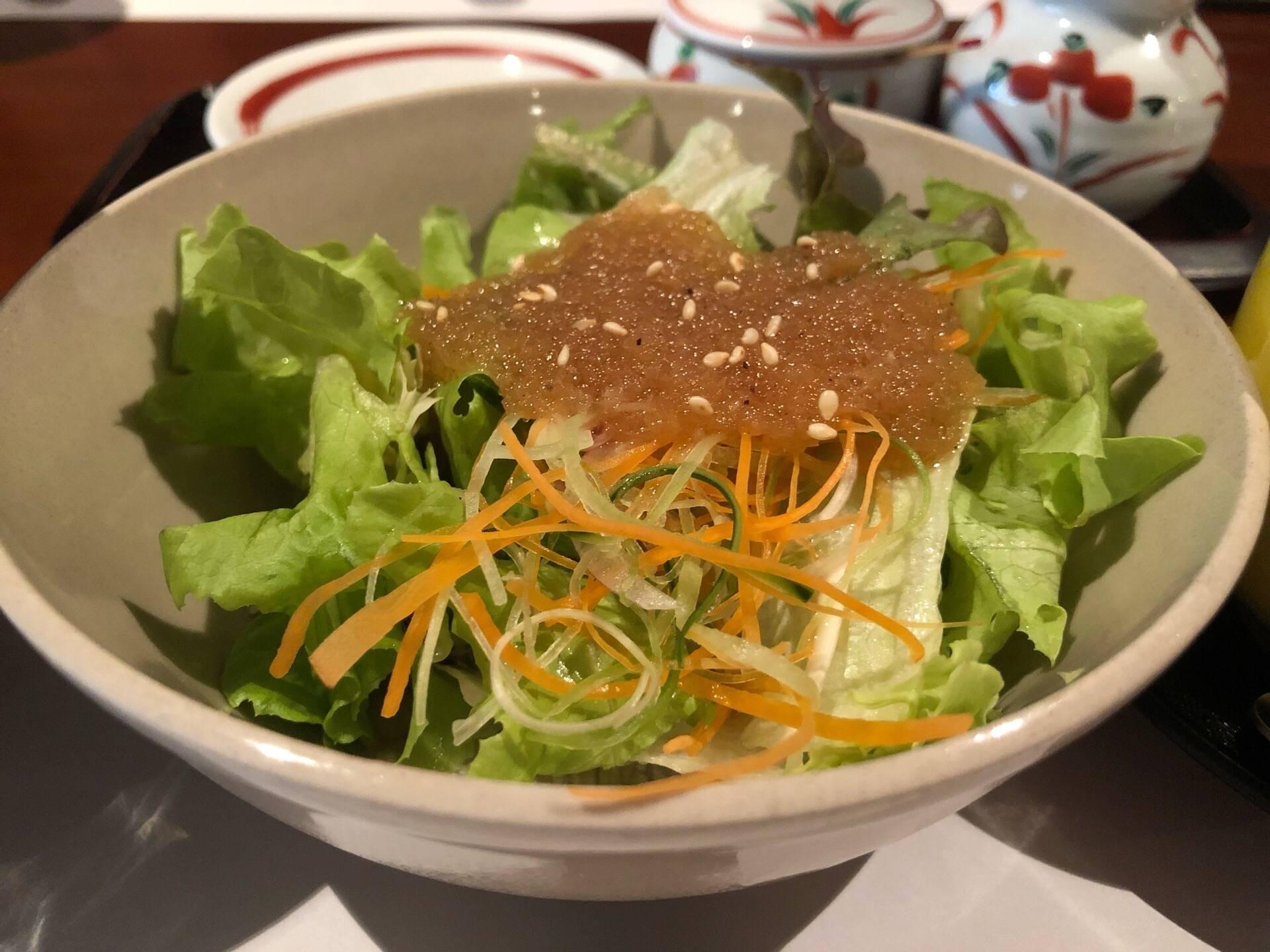 สลัดผักซอสญี่ปุ่น