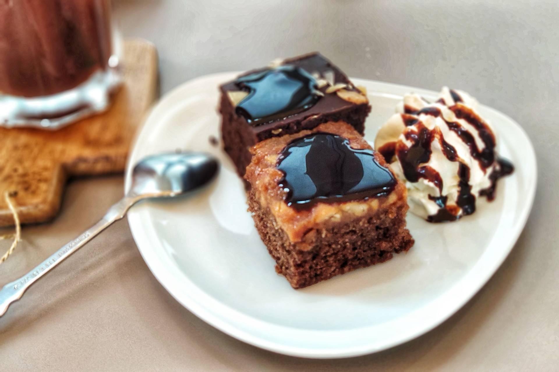 Brownie & Toffy Cake บราวนี่ & ท็อฟฟี่เค้ก