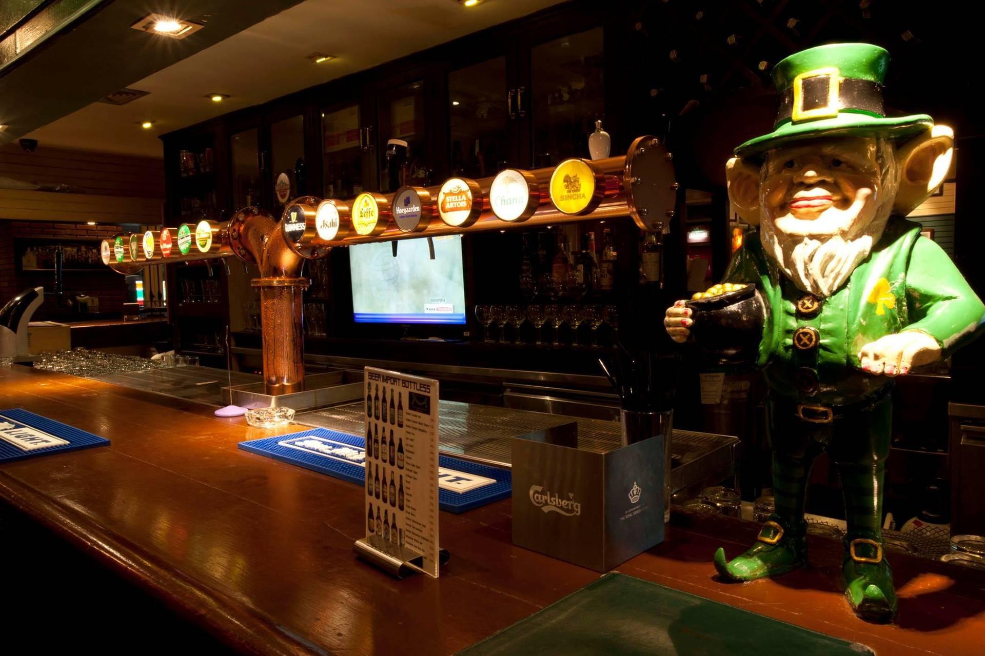 Mulligans Irish Bar