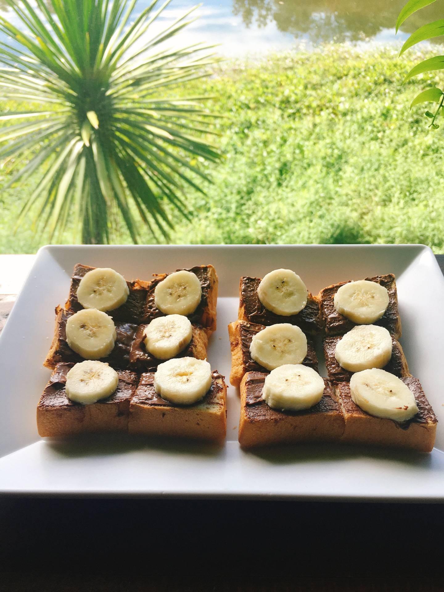 ขนมปังปิ้ง นูเทลล่า+กล้วย