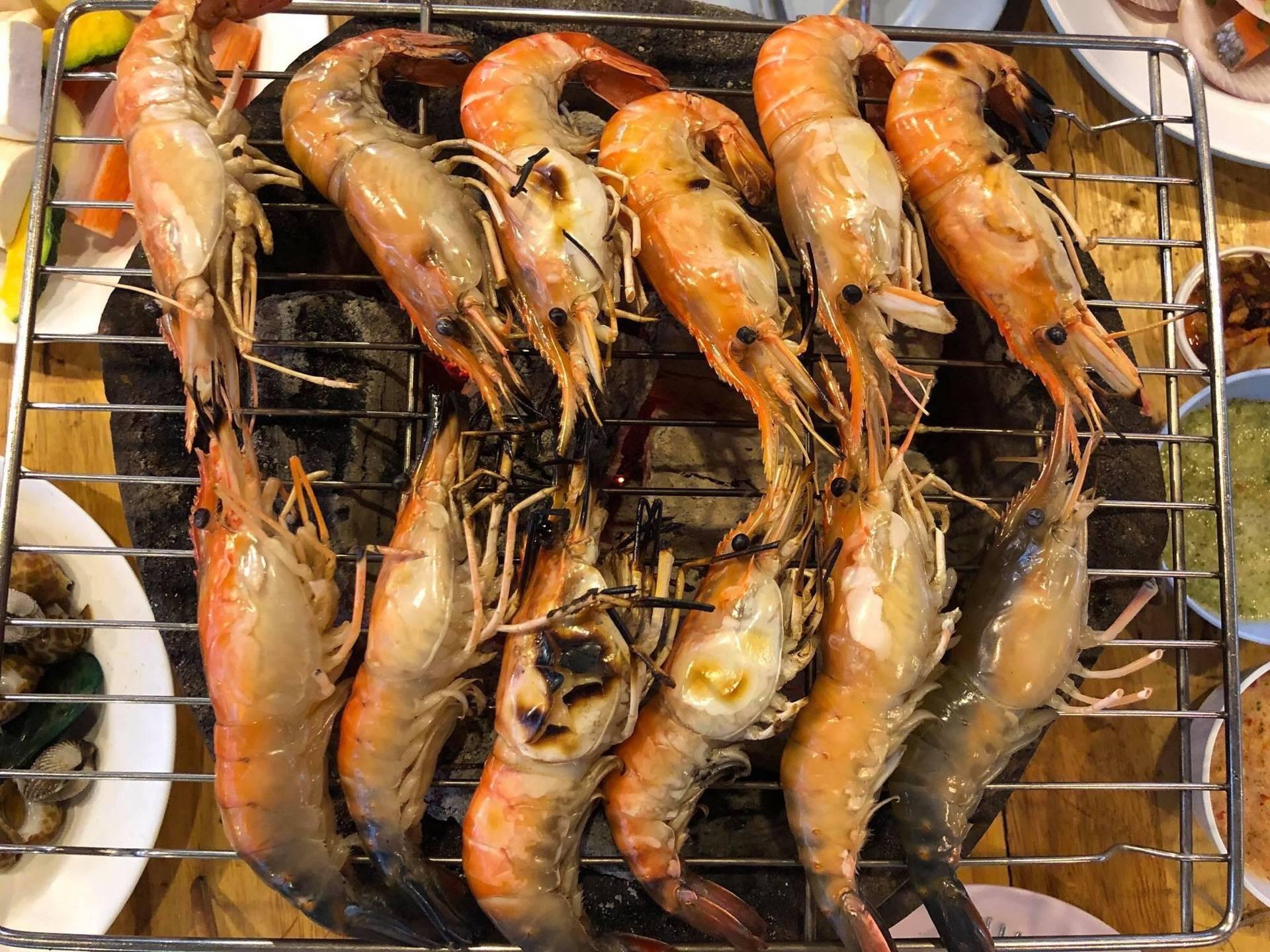 8/8 Seafood บุฟเฟ่ต์ทะเลเผา