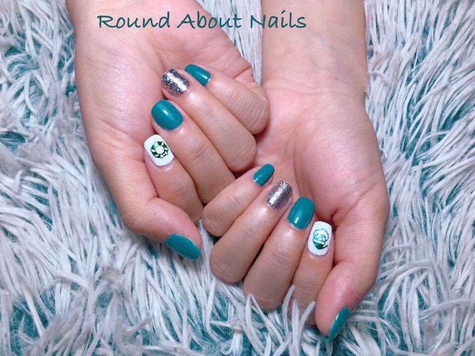 Round About Nails
