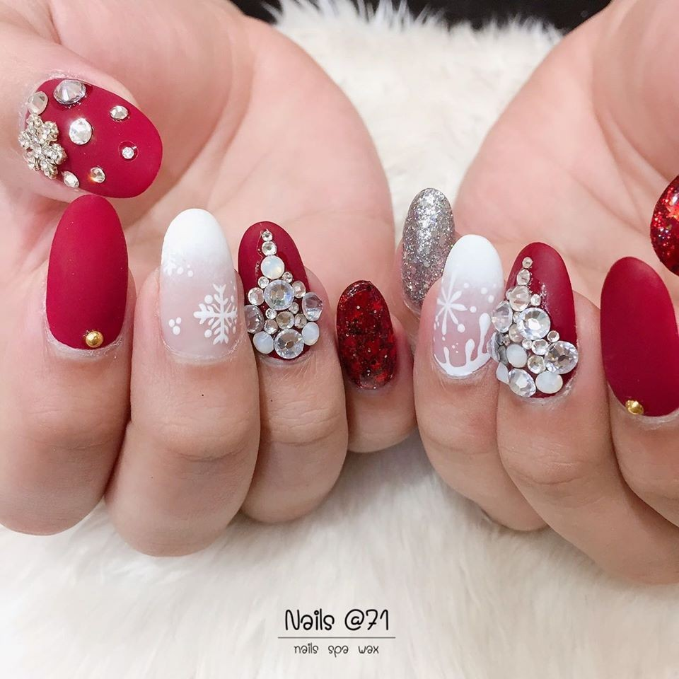 https://www.facebook.com/nailsat71bkk/