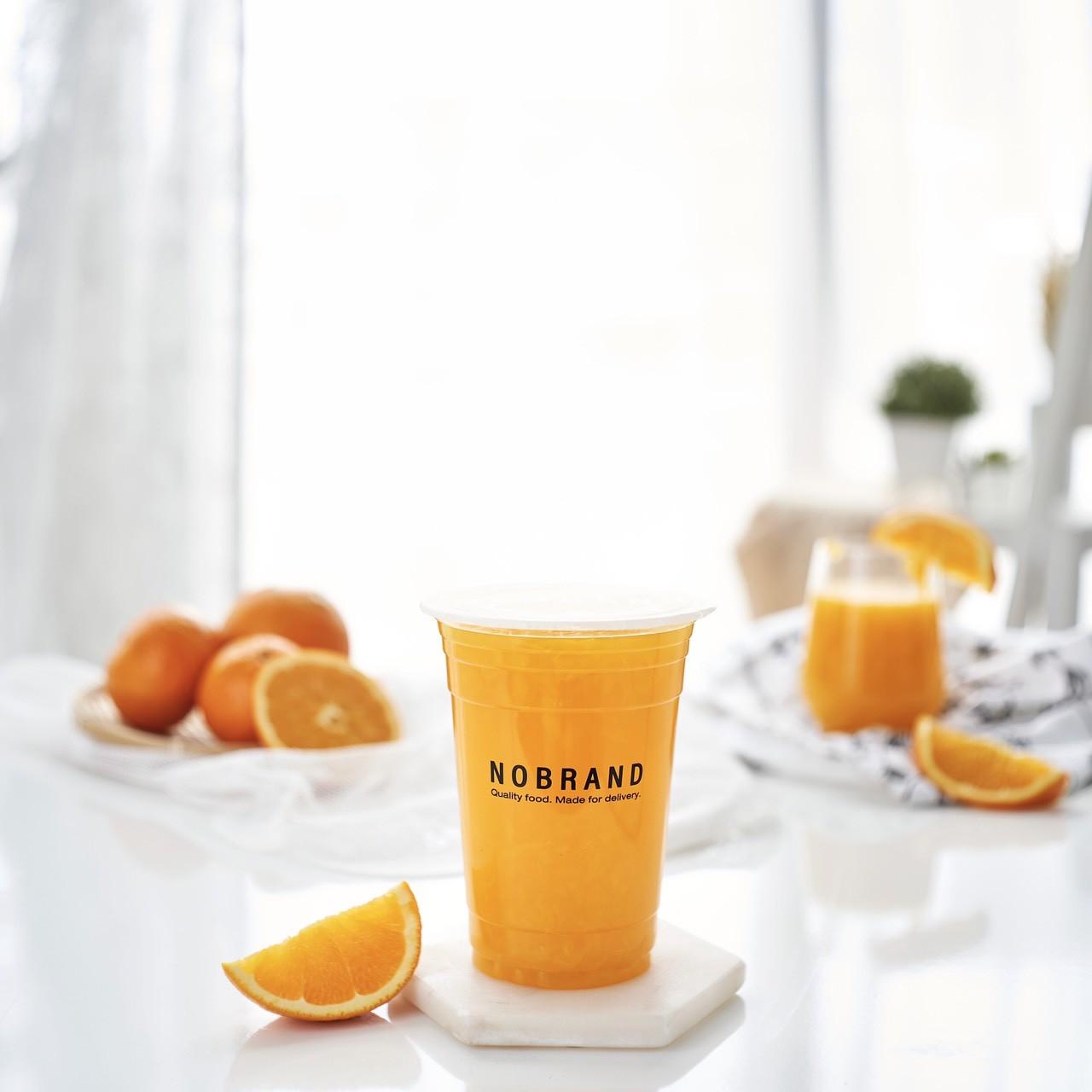 เมื่อซื้อน้ำส้มสามสายพันธุ์คั้นสด Size S แถมฟรี แตงโมหั่นเต๋า หรือ ฝรั่งแป้นสีทอ