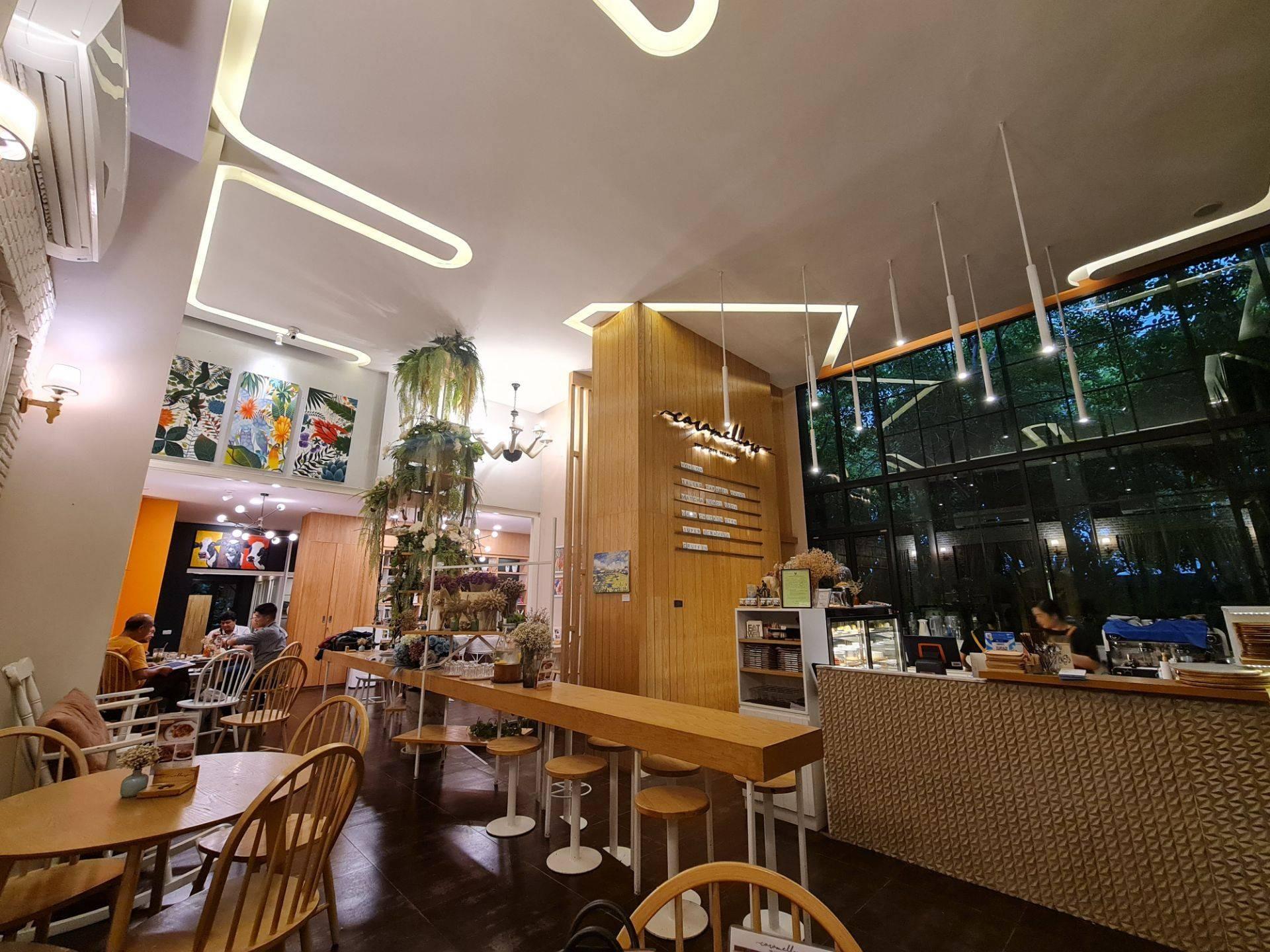 Caramellow café