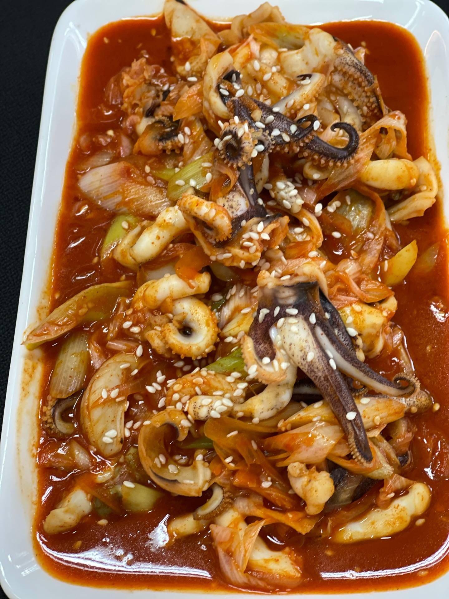หนวดปลาหมึกผัดซอสเกาหลี 🐙
