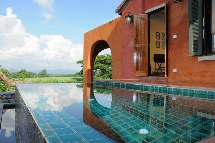 Her Glory Vacation Villa