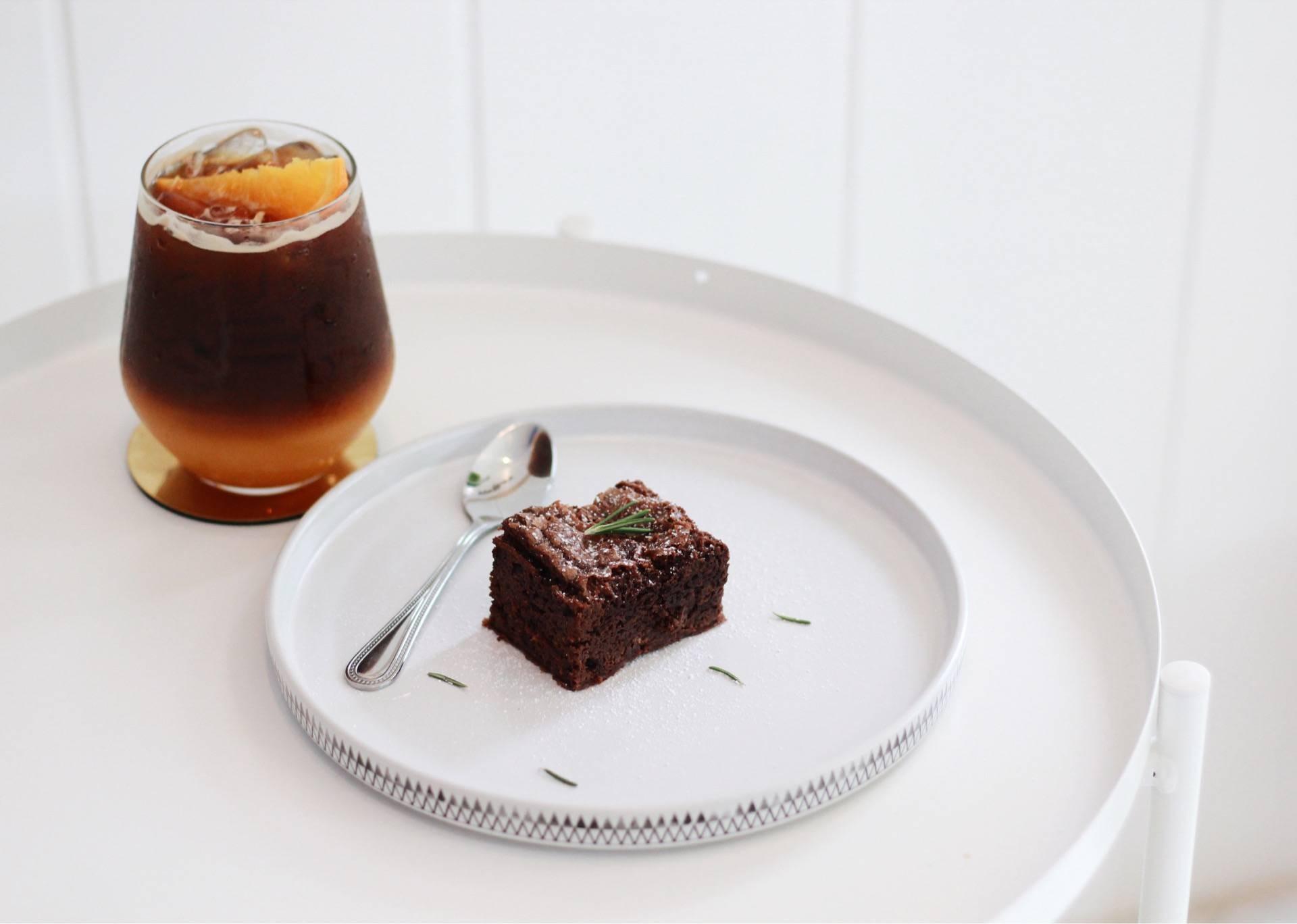 Black orang + Brownie