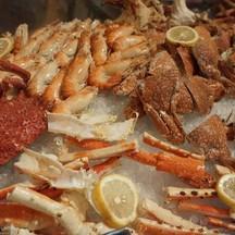 โซน Seafood เย็น : ขาปูอลาสก้า ปู หอย กุ้ง กั้ง