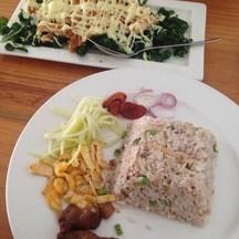 ข้าวคลุกกะปิ+ไก่ทอดซอสมะนาว