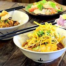 เซท 1 ขนมจีนน้ำเงี้ยว, ข้าวซอยหมู หรือ ไก่,ยำสามสาว ปกติ 200 บาท เหลือ 119 บาท