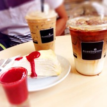 espresso + caramel latte + crape cake