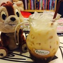 กาแฟเจ จำชื่อไม่ได้ กาแฟ+ซอสไวท์ชอค+นมถั่วเหลือง