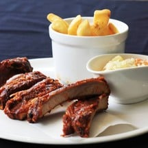 BBQ port spare rib with fries & cole slaw
