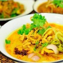 Khao Soi (Northern Thai Noodle Curry Soup).