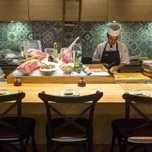 โซนซูชิ ที่เห็นการทำซูชิแบบสดๆ ทุกขั้นตอน