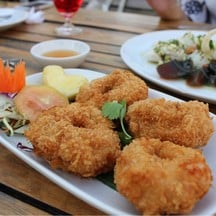 Waterside Karaoke Restaurant นวลจันทร์