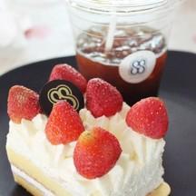 Strawberry shortcake &  Americano (เอิ่ม..ครึ่งแก้ว ><)