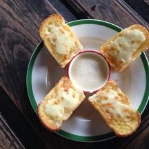 ขนมปังกระเทียมชีส@39฿