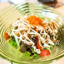 แปบเดียวเมนูแรกมาละครับShirauo Salad สลัดปลาเงินกรอบ เพื่อสุขภาพและยังอร่อยมากๆ