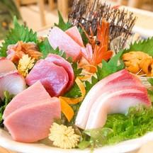 Waza Sashimi อลังการมาก ปลาดิบและผองเพื่อน 8 อย่าง สดๆ ชิ้นหนาๆ แต่ละอย่างนี่ฟิน