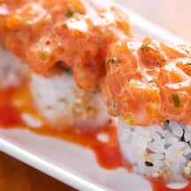 """Salmon Spicy Roll"" (150 บาท)"