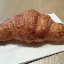 Croissant (18 HKD)