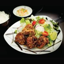 ชุดไก่ทอดคาราอะเกะซอสเผ็ด ( Spicy Fried Chicken )