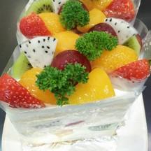เป็นเค้กที่น่าทานอีกตัวนึงค่ะสำหรับลูกค้าท่านไหนที่ชอบทานผลไม้ต้องลองตัวนี้นะคะ