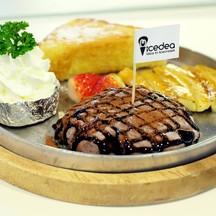Medium Rare Steak !!