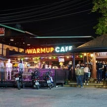 Warm Up Cafe