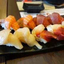 เนื้อปลาชิ้นใหญ่เต็มคำ