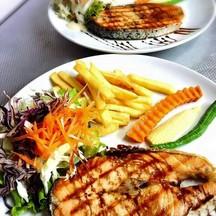 สเต็กปลาเซลล์มอน เนื้อสดใหม่ อร่อยค่ะทานประจำเลย