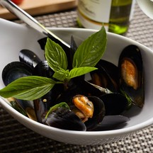 """""""Blue mussel with chilli sweet basil sauce"""""""
