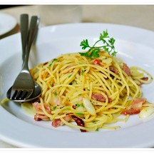 Pasta AOP with bacon and Dried Chili 260B