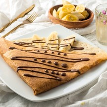 Belgium Chocolate sauce and sliced banana เครปกล้วยหอมกับช็อคโกแลตเบลเยี่ยม