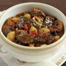 Burgundy stew Beef 180 B/Pork 160 B