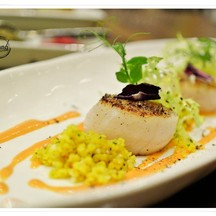 Appetizer : Hokkido Scallop grill , almonds cous cous and yellow tomato dressing
