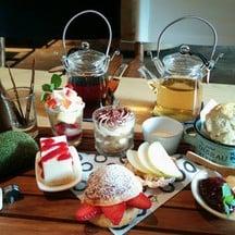 Mrs. Mew Tea Set ขนม 7 อย่าง ชา 2 ที่