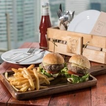 Duo Mini Beef / Chicken Burger at THB 320