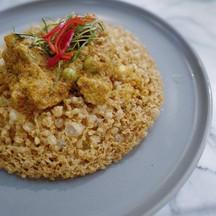 รสชาติพะแนงอร่อนมาก รสดีมีความเป็นพะแนงมาก เมื่อรวมกับไข่เจียวฟูแล้วอร่อยมากๆคะ