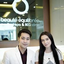 ภาพคุณหมอทาร์ต กับคุณนาตาลี นางแบบคนสวย ลูกค้าประจำ ที่เข้ามาใช้บริการกับเราครับ