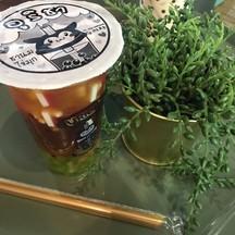 ชาแดงลิ้นจี่ใส่มุกผลไม้และเยลลี่ 40฿